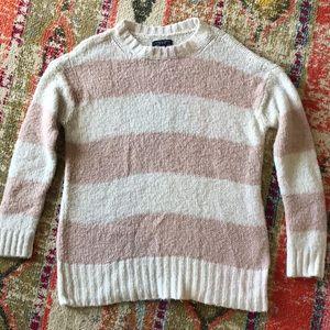 American Eagle Knit Sweater. Size medium.